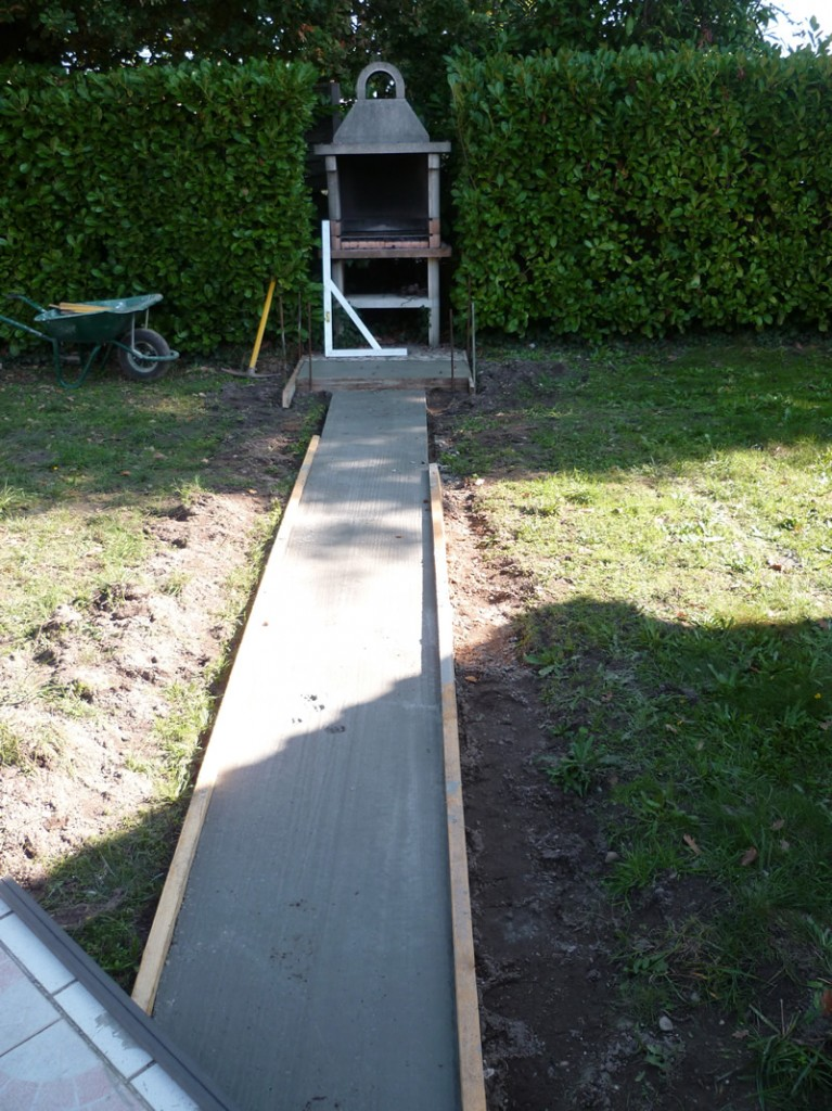 Dalle beton allee aquagr ment laurent matras for Dalle beton autour piscine